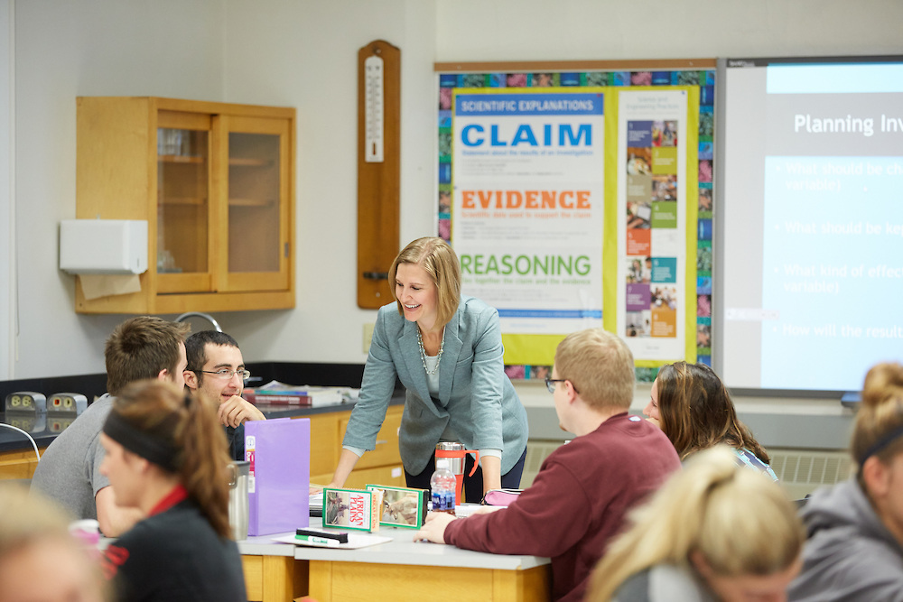 Dr. Masters works with students in Science Methods class